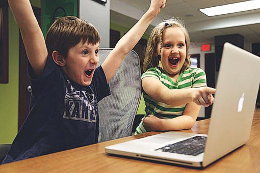 Controlling children's behaviour with screen time leads to more screen time
