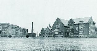 Macdonald Institute (left) and Macdonald Hall (right), November 1919.